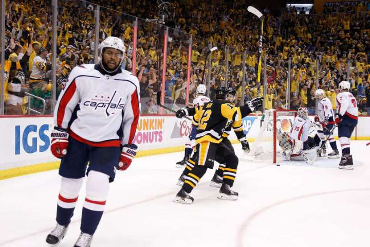 Evgeni Malkin credited with Game 4 goal after review